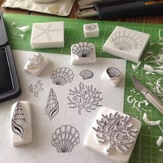 DIY rubber stamp from white eraser Clay Stamps, Stamp Printing, Printing On Fabric, Art Texture, Eraser Stamp, Stamp Carving, Fabric Stamping, Handmade Stamps, Linocut Prints