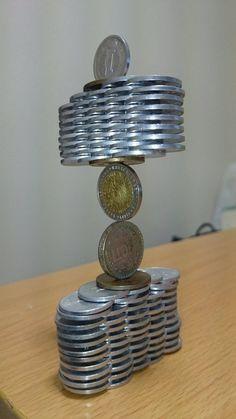 Esse japonês decidiu que o negócio dele é empilhar moedas, e pronto! - Página 2 de 2 - ÓtiMundo!