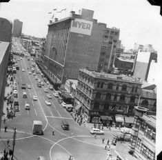 Lonsdale St, Melbourne 1961 with Myers Building. Building in foreground demolished for Myer House Places In Melbourne, Melbourne Suburbs, Melbourne Victoria, Victoria Australia, Melbourne Australia, Australia Travel, New City, Historical Pictures, Old Photos