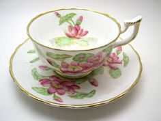 Antique Royal Chelsea tea cup and saucer, Water Lily tea cup and saucer, English Bone China, Hand painted Water lily. Vintage China, Vintage Tea, Vintage Dishes, Antique China, Yellow Tea Cups, English Tea Cups, Tea And Crumpets, Teapots And Cups, Tea Cup Saucer