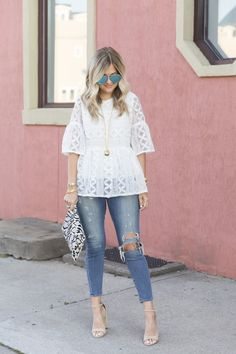 Amazing 44 Cute Spring Blouses to Wear Everyday . Over 50 Womens Fashion, Fashion Over 50, Spring Summer Fashion, Spring Outfits, Spring Blouses, Everyday Outfits, Everyday Fashion, Blouse Designs, Blouse Styles