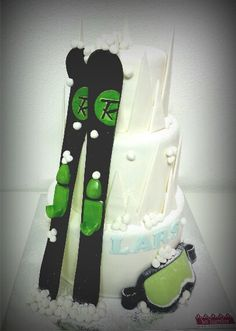 Ski cake rossignol Snowboard Cake, Snowboard Girl, S Ki Photo, Ski Card, Party Like Its 1999, 50th Party, Cake Servings, Specialty Cakes, Beautiful Wedding Cakes