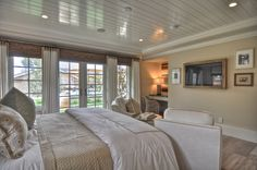 Dolphin Terrace - traditional - bedroom - orange county - Details a Design Firm Bedroom Photos, Home Bedroom, Bedroom Ceiling, Bedroom Windows, Bedroom Ideas, Bedroom Beach, Light Bedroom, Dolphin Bedroom, Ceiling Bed