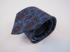Vintage Trendy Skinny HIGBEE'S Store for Men Tie Paisley 3 inch Excellent 10/10 #PauloGucci #Tie