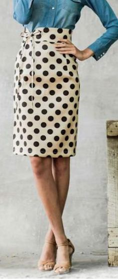 love this polka dot pencil skirt and Jean top
