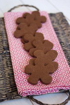 Bolachas de chocolate Caramel Recipes, Chocolate Recipes, Cupcakes, Cupcake Cookies, Cookbook Recipes, Cookie Recipes, Gingerbread Cookies, Christmas Cookies, Caramel Shortbread