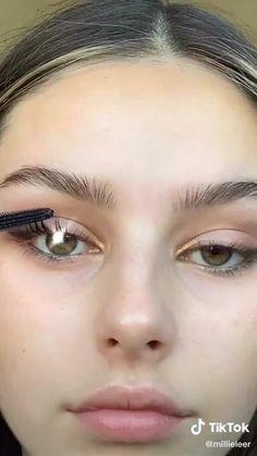 millieleer tiktok smokey eye makeup - Google Search Flawless Face Makeup, Skin Makeup, Eyeshadow Makeup, 70s Makeup, Contour Makeup, Makeup Brush, Makeup Inspo, Makeup Tips, No Make Up Makeup