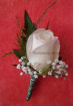 #Prendido para los acompañantes a la #boda con #rosa blanca.