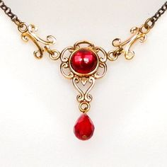 Margo Medieval Necklace : Bronze Medieval Necklace with Stone and crystal, adjustable from 38 to 44cm.
