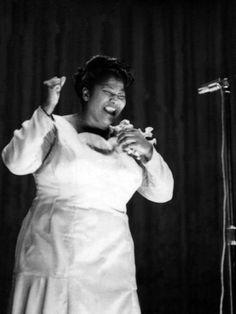 Mahalia Jackson - 1960 Photographic Print by Ellsworth Davis at AllPosters.com