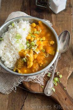 Als onderdeel van de budget challenge heb ik dit keer de gele pukka curry van Jamie Oliver gemaakt. Totale kosten slechts 2,42 per gerecht