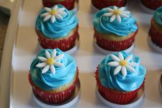 girl scout crafts | For the Daisies, I made yellow cupcakes with vanilla frosting and a ...