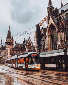 #Repost @takemyhearteverywhere  Rester cest exister. Mais voyager cest vivre  #TAKEMYHEARTEVERYWHERE #travelbelgium #belgium #beautifuldestinations #gent #instatravel #bestcapture #traveleurope