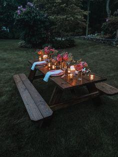 Romantic Backyard, Romantic Picnics, Romantic Dinners, Romantic Places, Garden Picnic, Backyard Picnic, Picnic Table, Picnic Decorations, Birthday Decorations