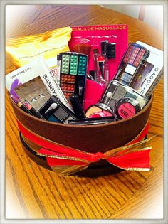 My DIY $15 Makeup Basket. All items bought at the Dollar Tree for $1each item. Cute gift basket idea for little girls that like playing dress up.