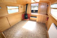 Saloon on widebeam Pendragon