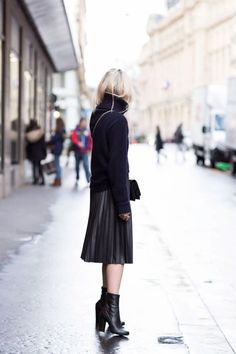 a pleated leather skirt?  stunning.