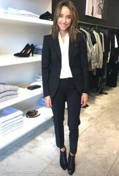 Black suit for woman with chelsea boots. Filippa k bergen More