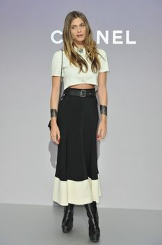 Tendenze: Crop Top  Elisa Sednaoui in Chanel