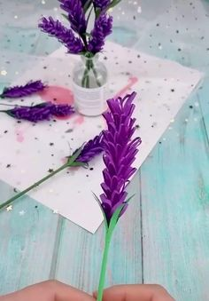 Cool Paper Crafts, Paper Flowers Craft, Paper Crafts Origami, Paper Roses, Diy Flowers, Flower Paper, Diy Crafts Hacks, Diy Arts And Crafts, Diy Papier