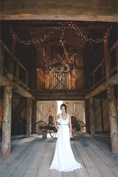 Rustic barn bridal portrait / Bit of Ivory Photography