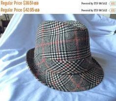 AUTUMN SALE Vintage Fedora Black and White Red Herring Bone Plaid Herringbone Tweed Wool Fedora Men's Hat Lancer styled by parktown