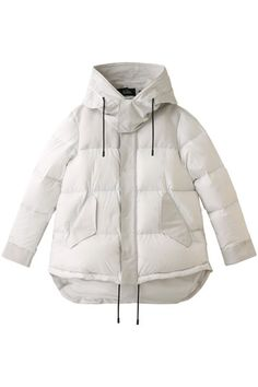 Girls Winter Jackets, Jackets For Women, T Shirts For Women, Minimal Fashion, White Fashion, Shirt Logo Design, Outdoor Fashion, Windbreaker Jacket, Fashion Branding