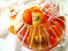優雅でかわいく紅茶をアレンジ。旬の果物でつくる【フルーツティー】レシピ。