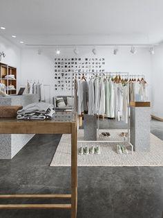 Boutique Decor, Boutique Interior, Beach Boutique, Clothing Store Interior, Showroom, Small Apartment Design, Store Interiors, Retail Design, Stores