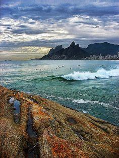 Arpoador rocks and green sea