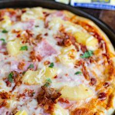 Homemade Pizza (Hawaiian Pizza Recipe) - Crazy for Crust Pizza Hawaii, Hawaiian Pizza, Best Pizza Dough, Good Pizza, Pizza Recipes, Easy Dinner Recipes, Bread Recipes, Dinner Ideas, Homemade White Bread