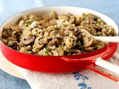 Quinoa and Mushroom Risotto (without Parmesan if vegan. Sub nutritional yeast? Farro Recipes, Vegetarian Recipes, Healthy Recipes, Chicken Risotto, Mushroom Risotto, Mushroom Quinoa, Roasted Mushrooms, Stuffed Mushrooms, Stuffed Peppers