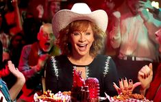 Country superstar Reba McEntire has been named the first woman to play KFC's Colonel Sanders — watch her new commercial! Country Music Bands, Country Music Stars, Country Music Singers, Country Artists, Country Song Quotes, Country Song Lyrics, Country Girl Problems, Star Pictures, Nail Pictures