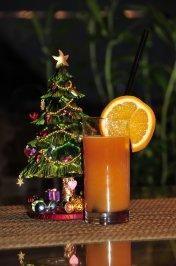 Weihnachtsgetränk - Orangenpunsch mit Aperol - Rezept - kochbar.de