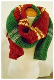 Half and Half Harry Potter Scarf free crochet pattern 2crochethooks