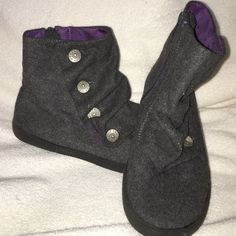 Blowfish Short Boots This Pair of Blowfish Short Boots are in excellent condition and are a size 3.5.   I wear a women's size 5 and they fit. They are gray with side zippers Blowfish Shoes Ankle Boots & Booties