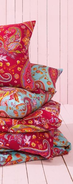 pillows of paisley Paisley Design, Paisley Pattern, Paisley Print, Paisley Park, Floral Pillows, Decorative Pillows, Turquoise Cottage, Beautiful Patterns, Pattern Wallpaper