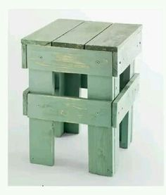 Break Down a Pallet the Easy way for Wood Projects - Woodworking Finest Pallet Crafts, Pallet Art, Diy Pallet Projects, Wood Crafts, Wood Projects, Woodworking Projects, Pallet Stool, Diy Stool, Pallet Furniture