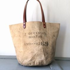 40's USN vintage canvas remake tote bag. Heavy duty canvas from 40's. Color of canvas is beige. IND_BNP_0123_USN W52cm H36cm D32cm Handle55cm