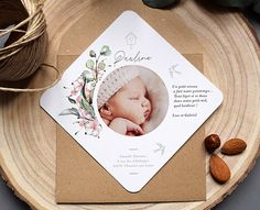 Faire-part fleurs, faire-part naissance Printemps Baby Girl Birth Announcement, Baby Announcement Cards, Pocket Wedding Invitations, Baby Invitations, Milestone Pictures, Baby Pictures, Free Poster Printables, Baby Monthly Milestones, Photography Packaging