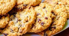 Recipe: Oatmeal Raisin Cookies – Health Essentials from Cleveland Clinic Healthy Cookies, Healthy Dessert Recipes, Healthy Baking, Cookie Recipes, Eating Healthy, Healthy Snacks, Breakfast Cookies, Breakfast Dishes, Breakfast Recipes