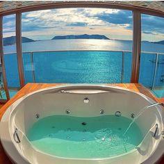 Balayı Suiti ve Manzaranın Güzelliği Seaview Hotel - Kaş, Antalya #gununfotografi #kas #antalya www.kucukoteller.com.tr/sea-view-hotel-kas w/@izkiz