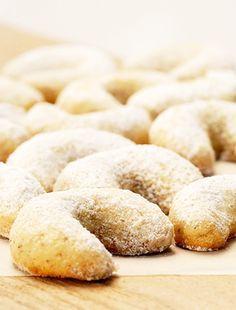 A klasszikus hkifli receptje Hungarian Desserts, Hungarian Recipes, Milk Cake, Chocolate Desserts, Baked Goods, Tart, Biscuits, Deserts, Good Food