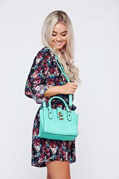 Comanda online, Geanta dama casual mint accesorizata cu o catarama. Articole masurate, calitate garantata! Shoulder Bag, Casual, Summer, Bags, Fashion, Handbags, Moda, Summer Time, Fashion Styles