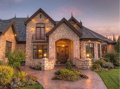 Love the stone on this house