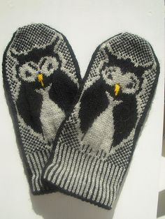Moooody owl mittens by Anna-Karin Consoli @Ravelry