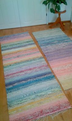 Second Hand Red Carpet Runner Diy Carpet, Rugs On Carpet, Carpet Ideas, Stair Carpet, Loom Weaving, Hand Weaving, Diy Mattress, Where To Buy Carpet, Do It Yourself Inspiration