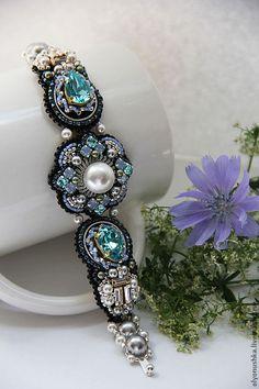 Olyonushka, Russia, bead embroidered bracelet  -firenze-rues-de-iitale