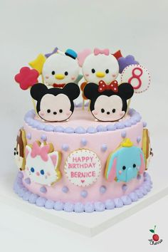 Tips and strategies from an avid Disney Tsum tsum fan (of the game, as well as the matching plush dolls!) as well as any other Tsumtsum related stuff! Tsum Tsum Birthday Cake, Tsum Tsum Party, Fondant Cakes, Cupcake Cakes, Sweet 16 Birthday Cake, 16th Birthday, Tsumtsum, Disney Birthday, Disney Cakes