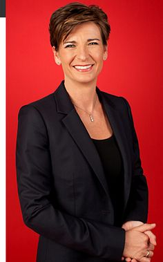 Becky Anderson is one of CNN Internationals highest profile anchors. She hosts the networks flagship news & current affairs programme, Connect the World, which airs weekdays in the prime-time EMEA line-up at 9pmGMT.